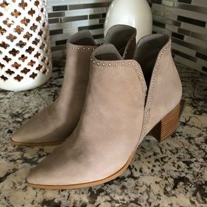 Sole society ankle booties size 7